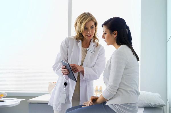 En choisissant un médicament à base de toxine botulique, vous devez faire appel à un cosmétologue qualifié.