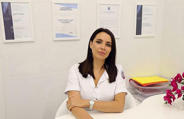 Un cosmétologue professionnel est la clé d'une thérapie botulinique de qualité